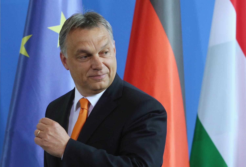 """Премьер-министра Венгрии Виктора Орбана в шутку называют """"диктатором"""" за его  """"нелиберальную демократию"""""""