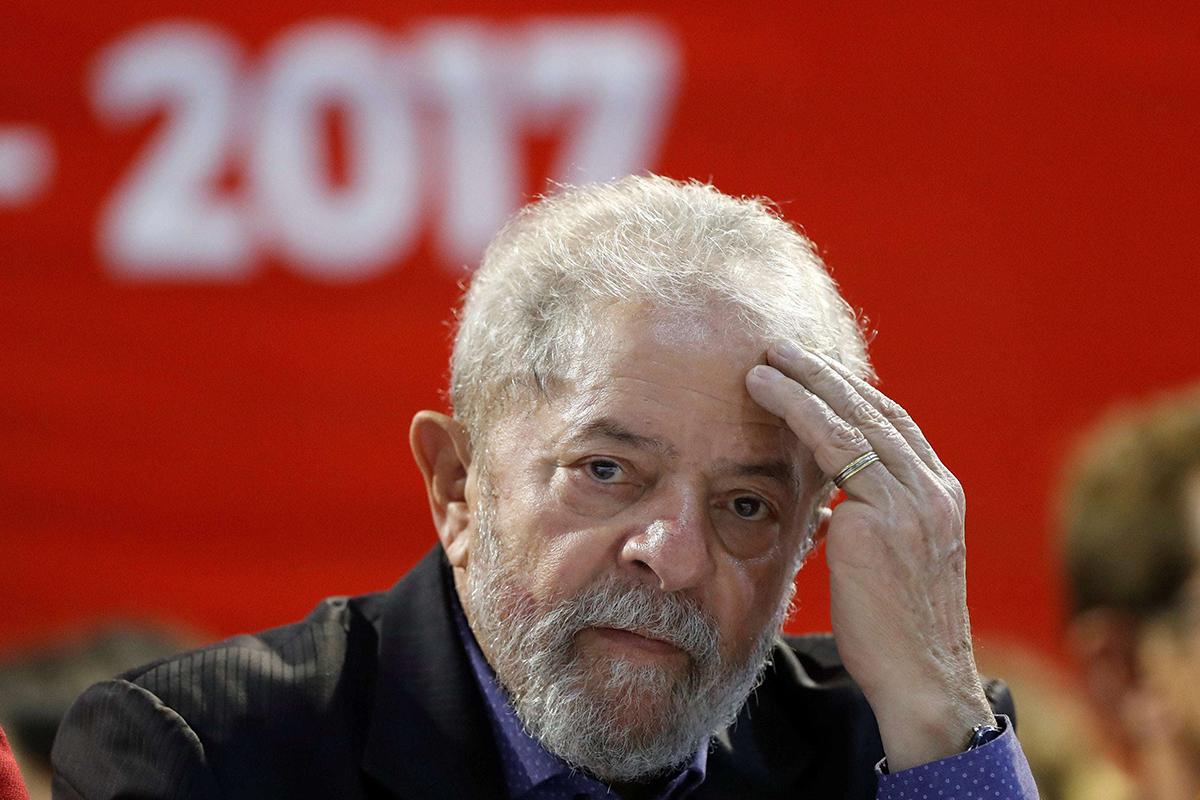 Экс-президент Бразилии Луис Инасиу Лула да Силва получил 12 лет тюрьмы за коррупцию
