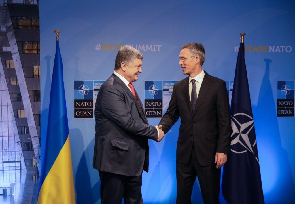 Президент Петр Порошенко в речи на совместной пресс-конференции с генсеком НАТО Столтенбергом много благодарил за поддержку Украины и Альянс, и лично его руководителя