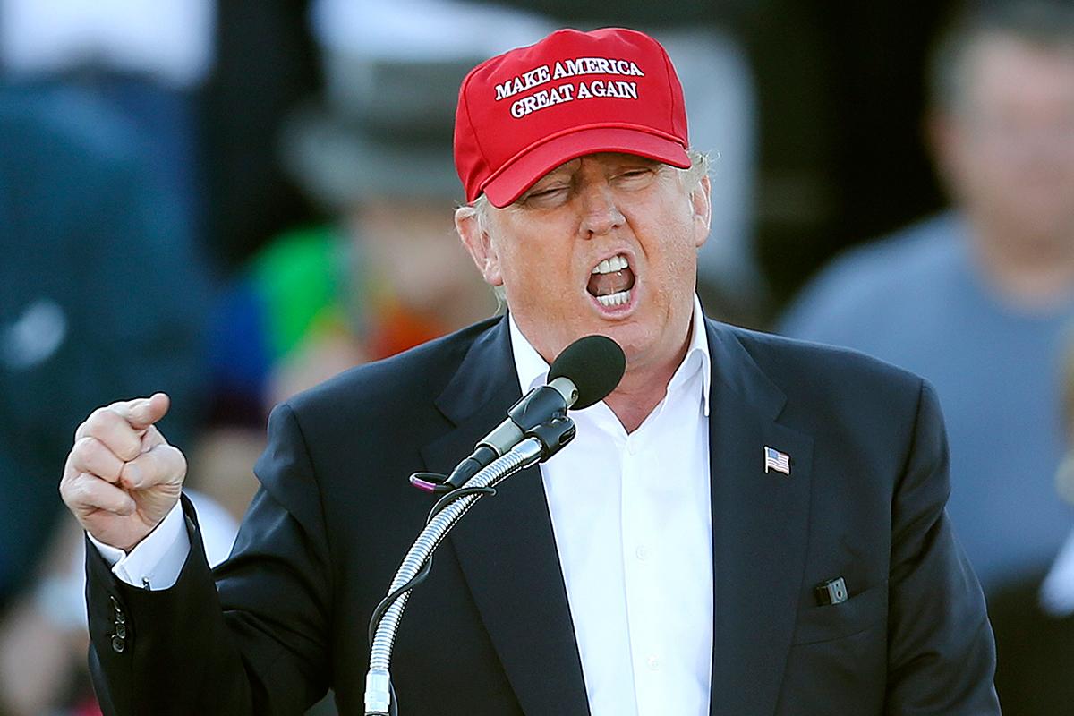 """В 2016 году во время президентской кампании Дональд Трамп заявил, что Китай """"уничтожает Америку в сфере торговли и должен получить налоговую пощечину"""""""