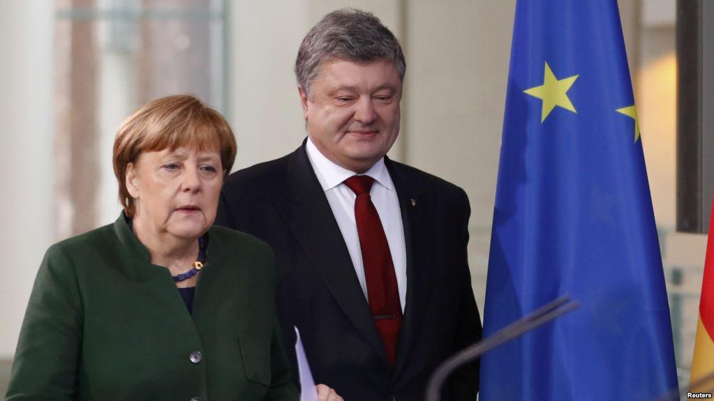 """ЕС И Украина пребывают в режиме сохранения схемы в формате Минских соглашений и не могут, в отличие от американцев, быстро реагировать на """"сюрпризы"""" России"""