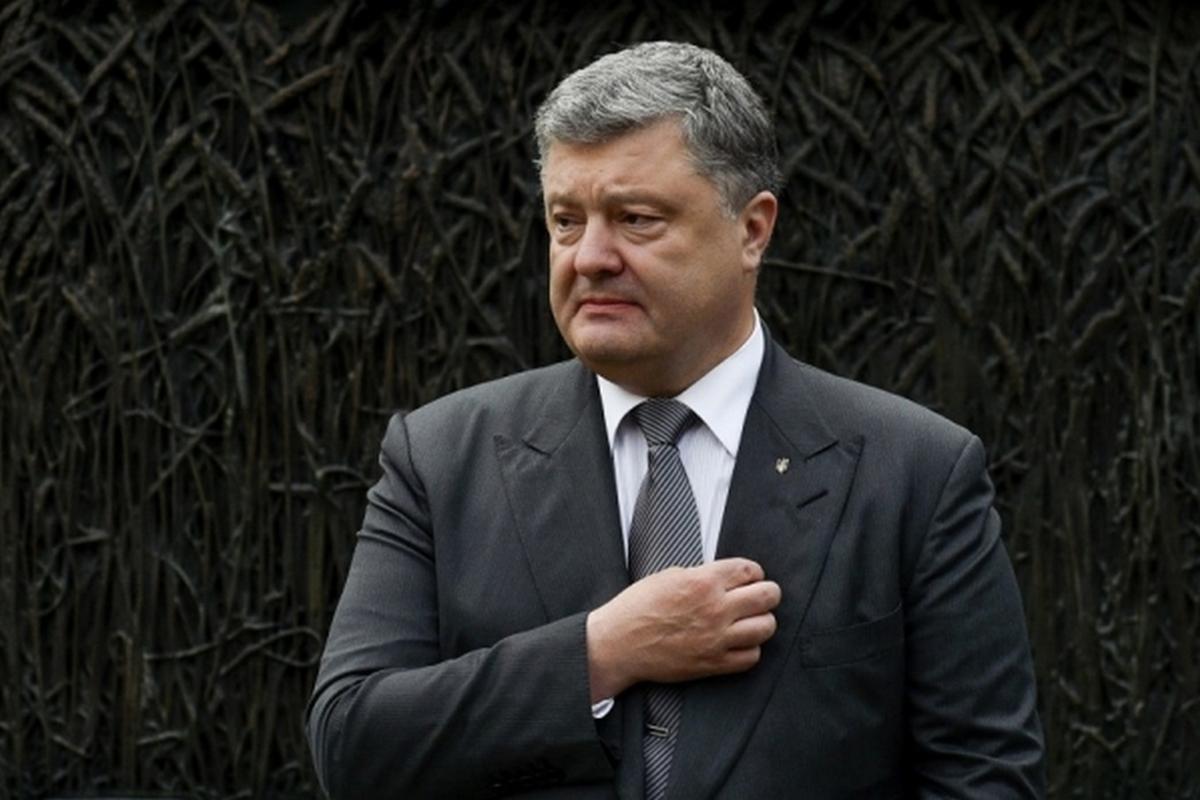 В выступлениях Петр Порошенко не раз позиционировал Украину как успешного посредника между Западом и Востоком