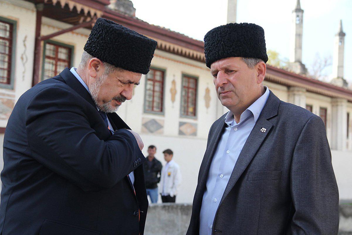 """В свое время Эрдоган обменял Ахтема Чийгоза (справа) на убийц редактора сайта """"Кавказ-центр"""""""