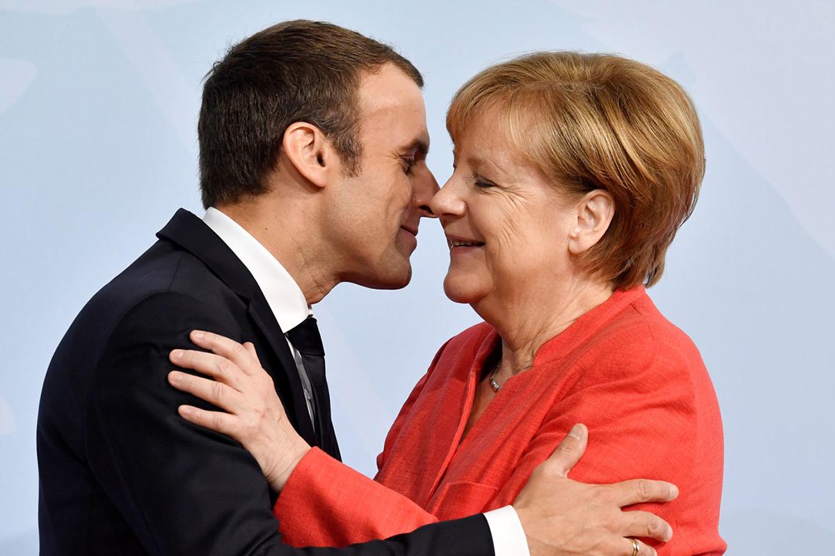 Президент Франции Эммануэль Макрон и канцлер Германии Ангела Меркель