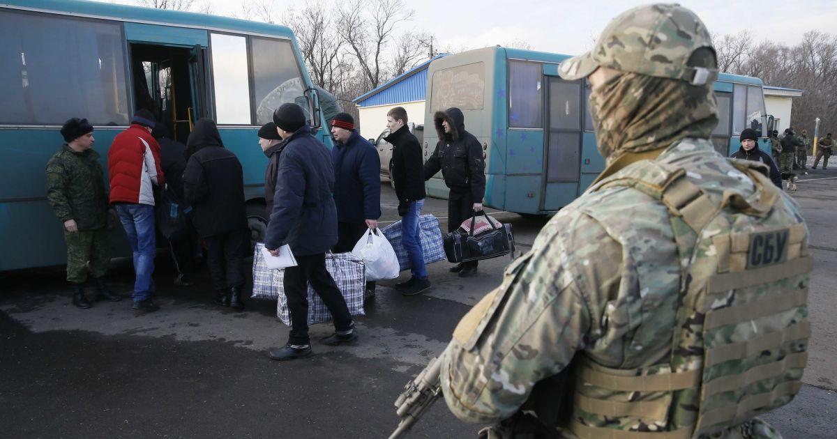 Линия разграничения в районе боевых действий на Донбассе