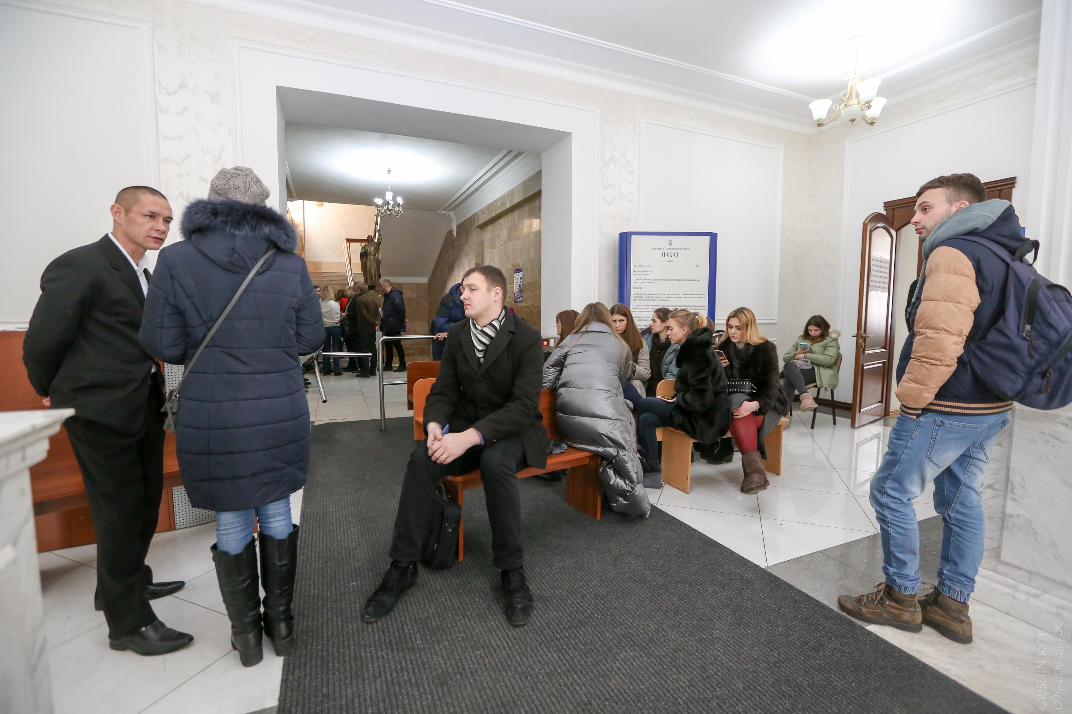 Попытки Минздрава назначить нового руководителя НМУ им. Богомольца блокируются сторонниками Амосовой