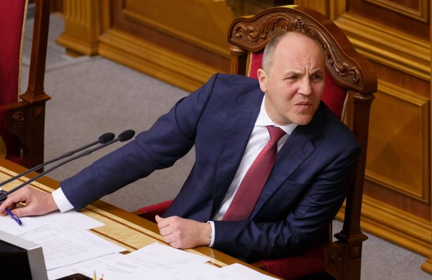 Спикер Андрей Парубий, автор законопроекта об увеличении состава ЦИК, должен понимать: нарушение процедуры принятия закона несет риски его отмены
