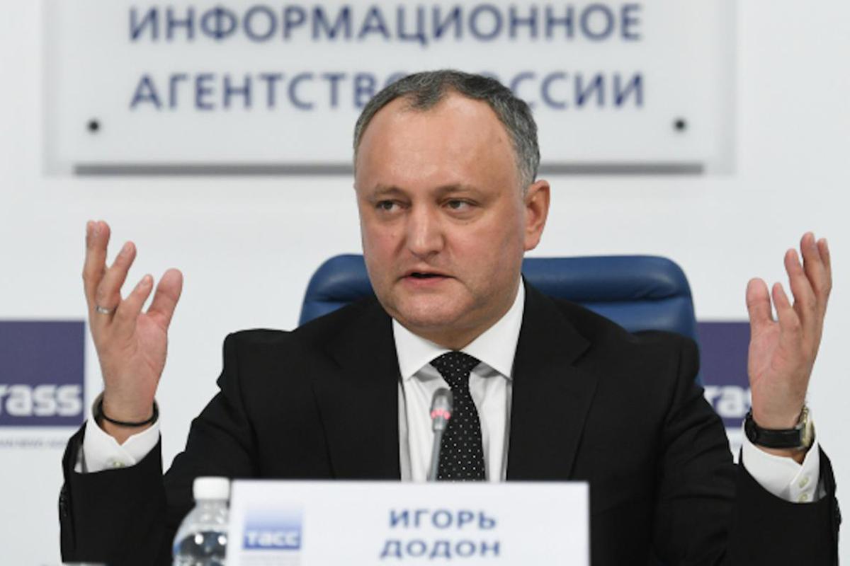 Президент Молдовы Игорь Додон заявил, что сценарий присоединения страны к Румынии продвигают силы, осознающие, что проиграют на выборах в парламент