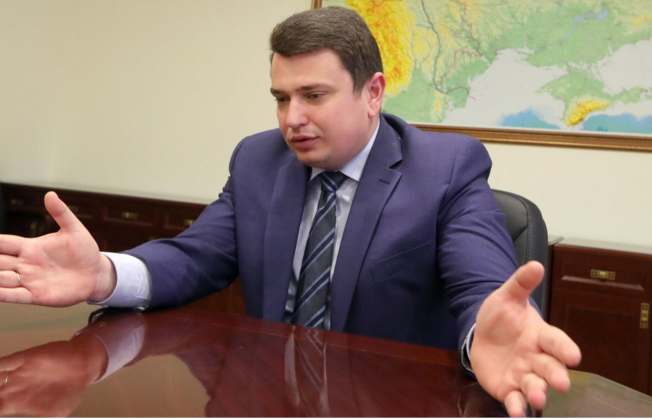 Директор НАБУ Артем Сытник хочет одновременно услужить разным сторонам: Банковой, американцам и общественникам-антикоррупционерам