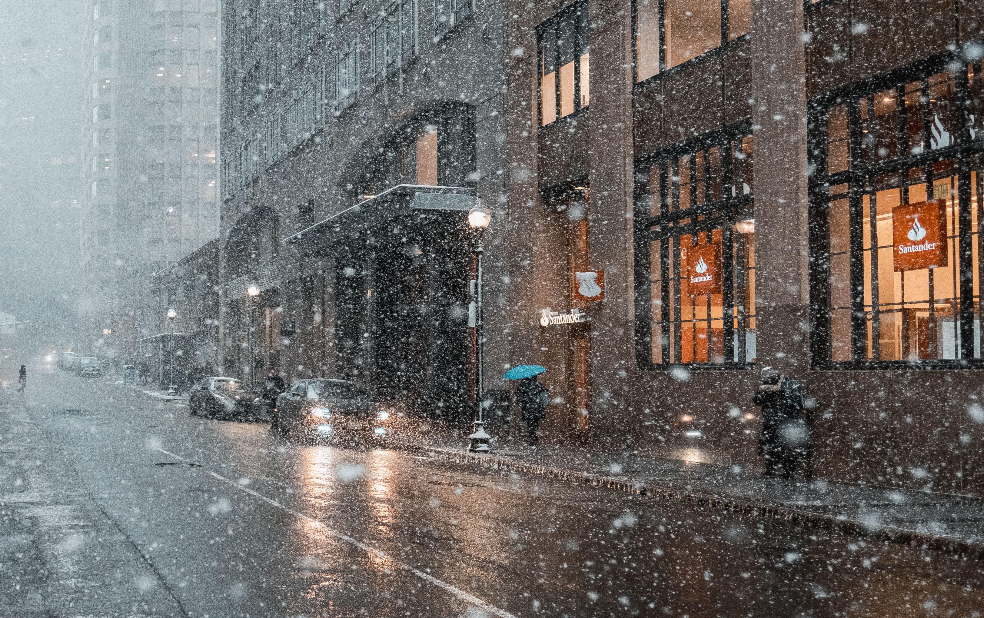 В конце ноября начинается заметное понижение температуры, ожидается мокрый снег и дождь