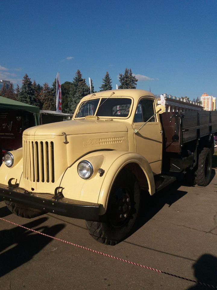 «Близнец» снимавшегося в советском кинохите «Джентльмены удачи» грузовика УралЗиС – единственный в Украине