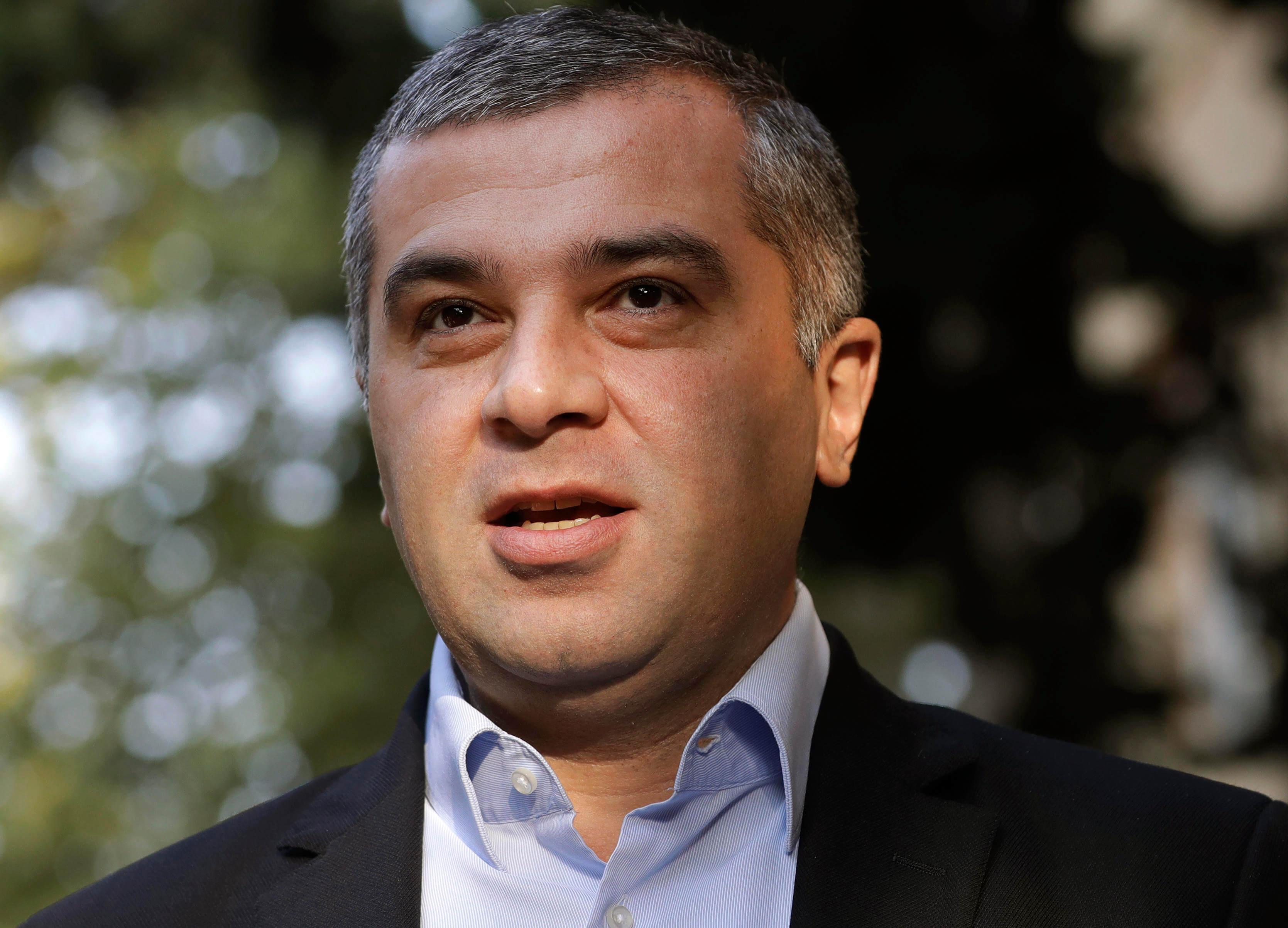 Давид Бакрадзе, кандидат от оппозиционной партии «Европейская Грузия», по соцопросам, делит с Зурабишвили второе-третье места
