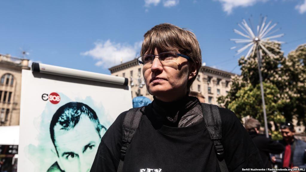 Сестра Сенцова Наталия Каплан считает, что создание фильма поможет Олегу выжить