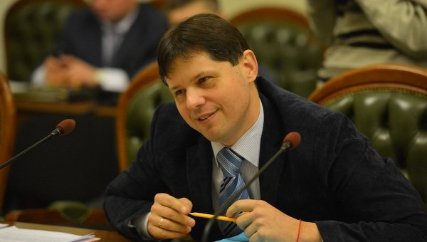 """Глава Комитета по правовой политике """"разработал обходной маршрут"""" принятия законопроекта о снятии депутатской неприкоснвоенности"""
