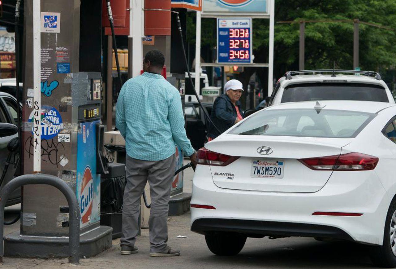 Для американского избирателя цена на бензин определяющий фактор в оценке работы политиков