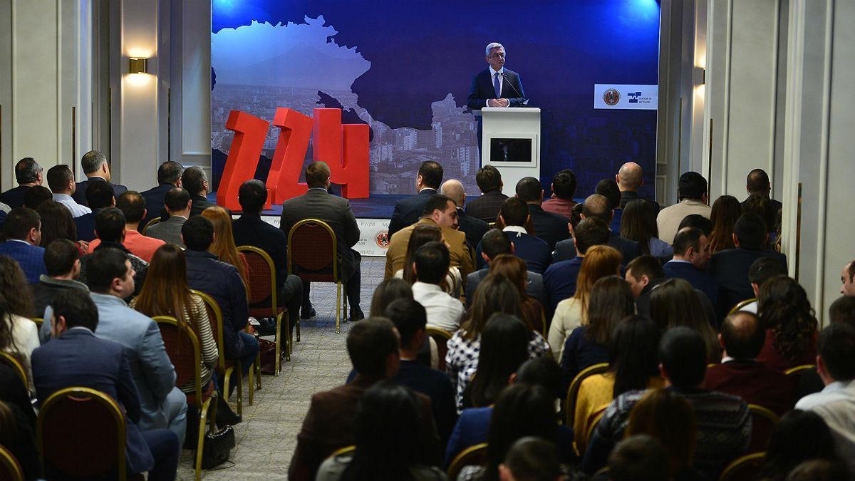 Самая большая фракция в армянском парламенте Республиканской партии во главе с дважды экс-президентом Сержем Саргсяном не выдвигала свою кандидатуру на пост премьер-министра