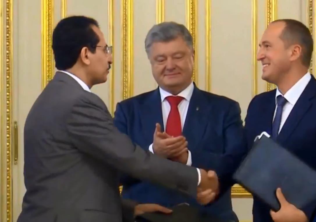 Сделка между Mriya Farming PLC  и британской SALIC UK Ltd прошла под патронатом президента Порошенко