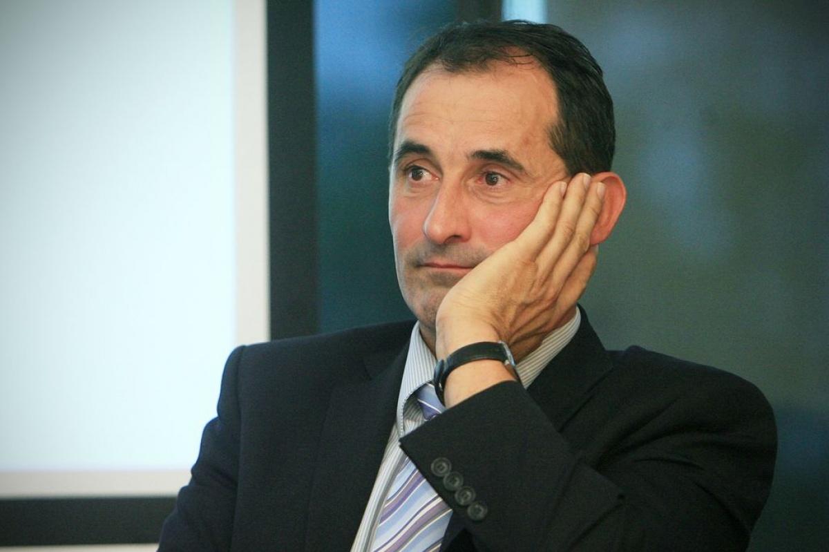 Глава Секретариата Европейского Энергетического сообщества Янез Копач упрекает правительство Гройсмана в том, что его тайные решения нарушают закон Украины.