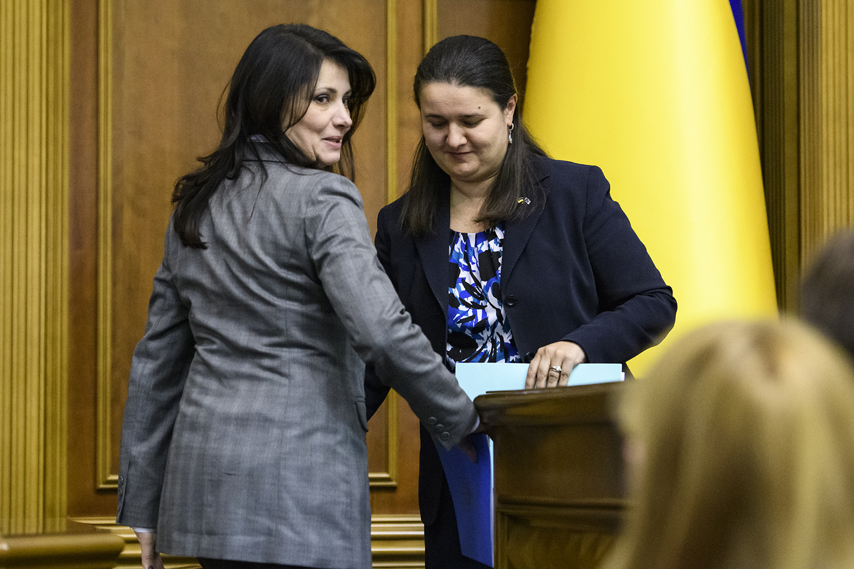 Ирина Фриз и Оксана Маркарова (слева направо) утверждены министрами