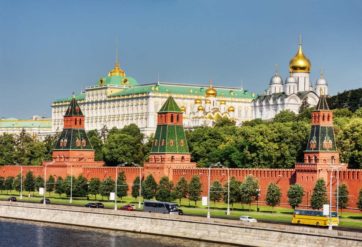 Кремль может ограничить въезд в Россию украинцам ближе к дате проведения выборов в Украине