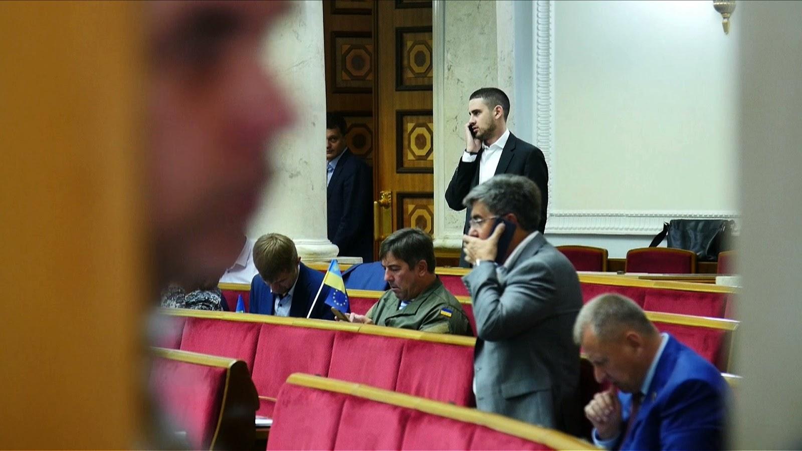 В Верховной Раде по-прежнему очень много нардепов, которые шли в парламент решать свои бизнес-вопросы