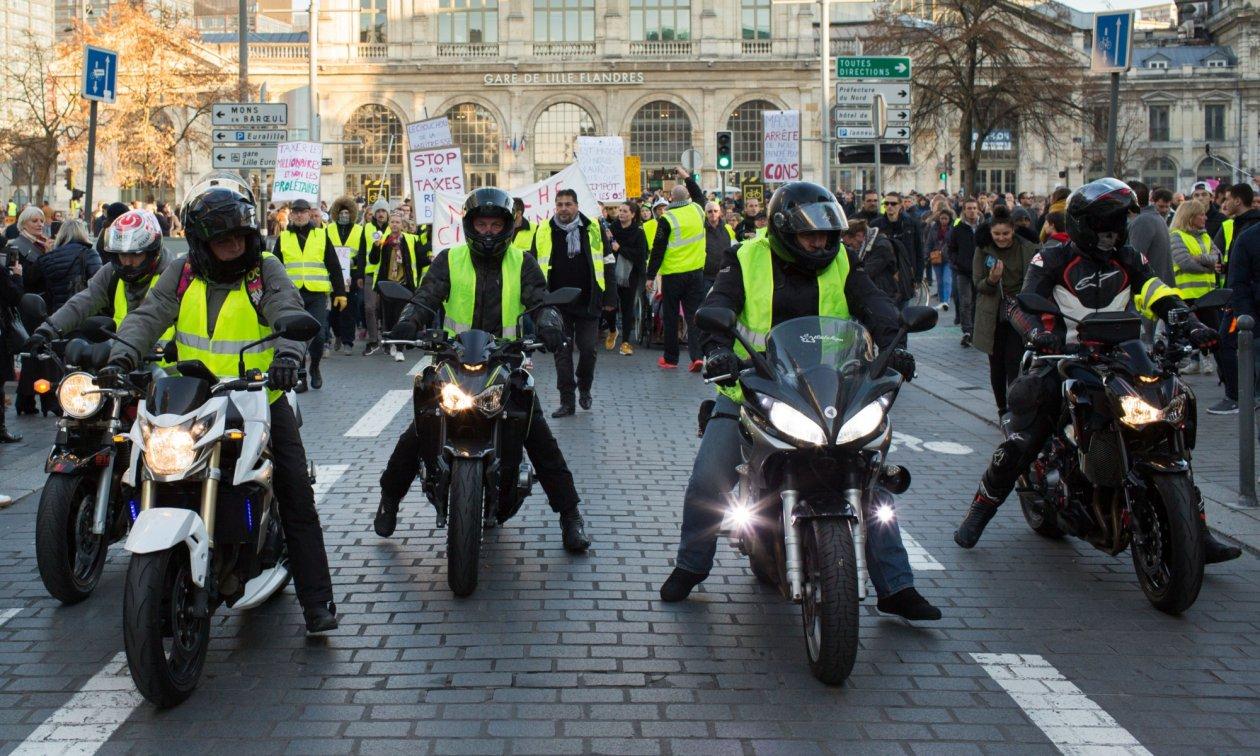Для французов борьба за свои права - национальная гордость, и просто так на антисоциальные реформы они не согласятся