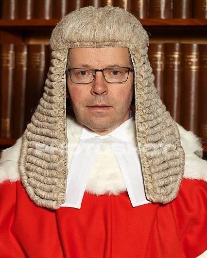 Судья Джастис Фэнкорт (Justice Fancourt ) вынес решение по иску ПриватБанка против его бывших собственников