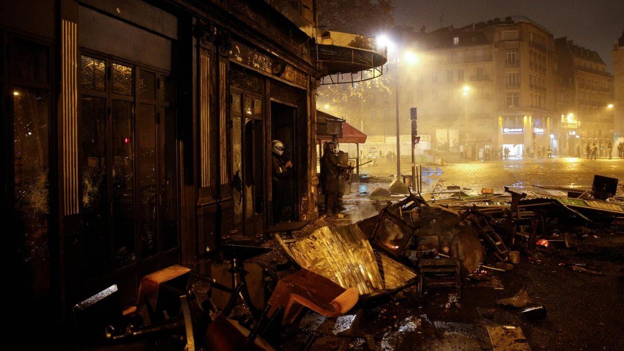 Убытки Парижа вследствие протестов Желтых жилетов составили 5 млн евро