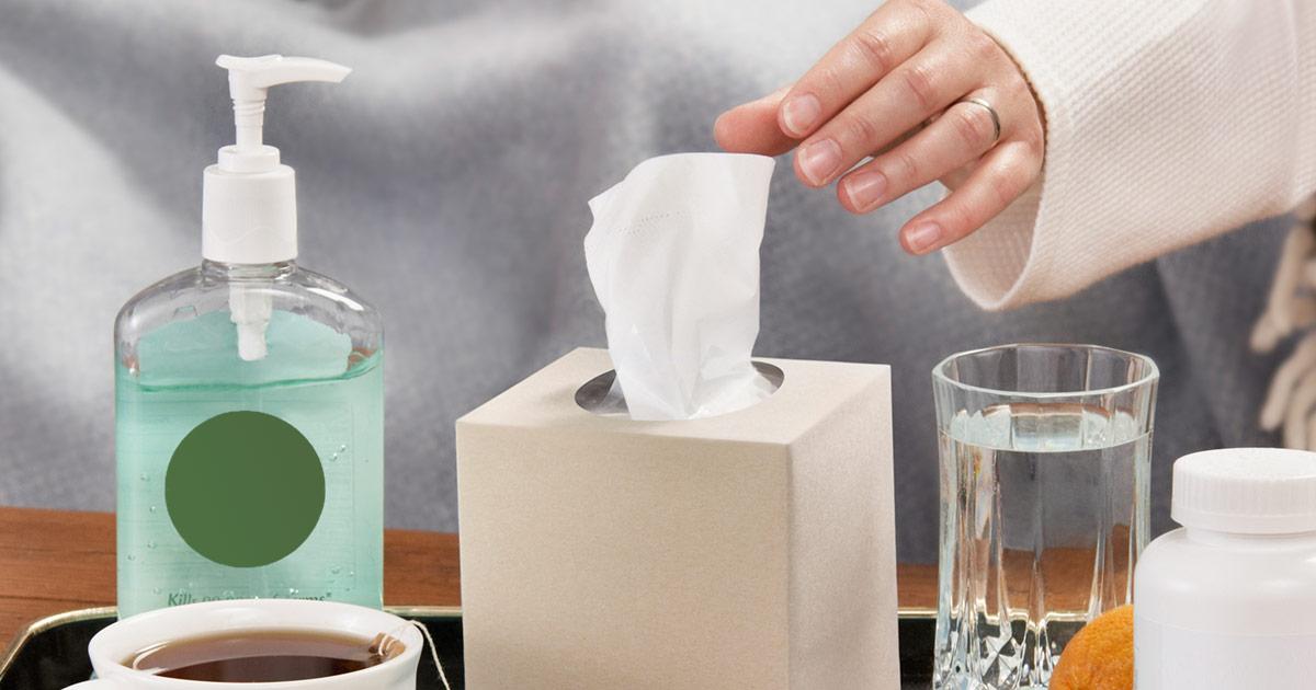 ОРВИ и неосложненный грипп чаще всего не нуждаются в специфическом лечении. Назначением противовирусных препаратов должен заниматься только врач