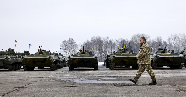 Оборонные госзаказы на миллионы гривен получают предприятия, которые связывают с президентом Порошенко