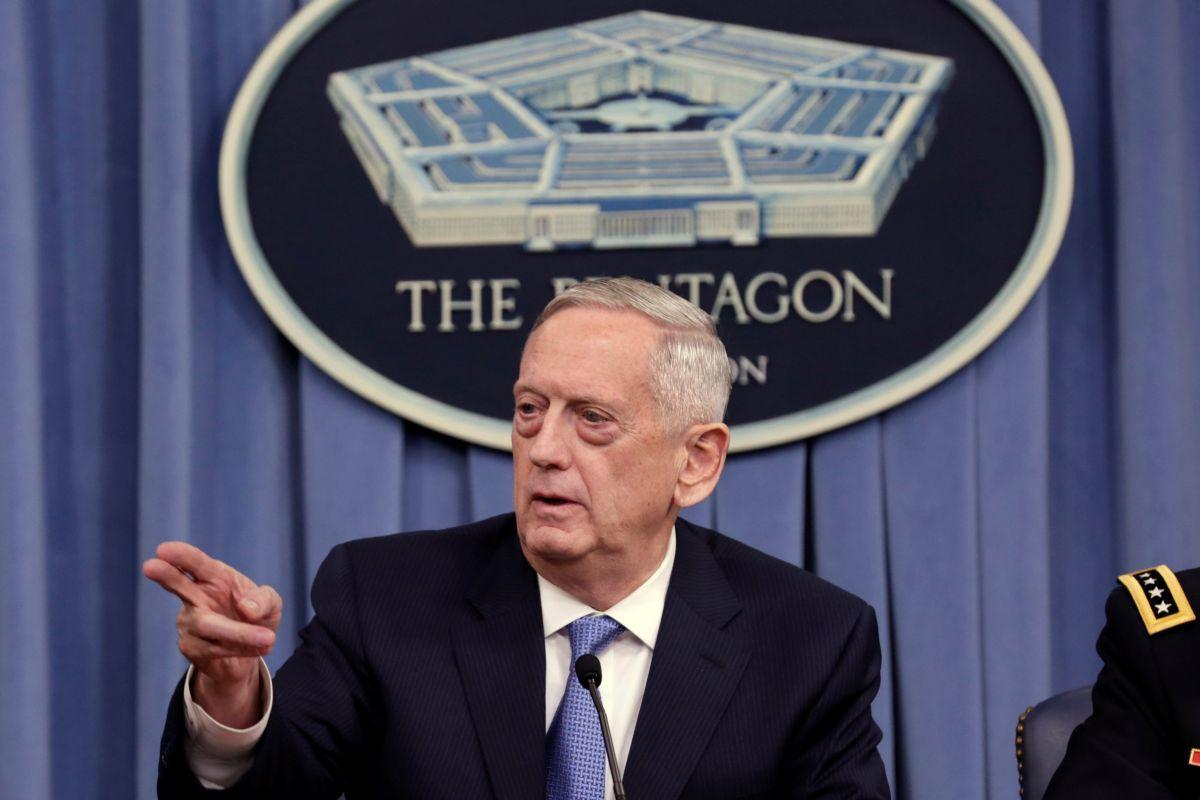 В большинстве стран НАТО министр обороны - гражданские лица (экс-глава Пентагона Джим Мэттис)