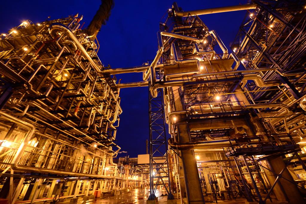 Экономика Беларуси критически зависит от условий импорта российской нефти (на фото Мозырский НПЗ)