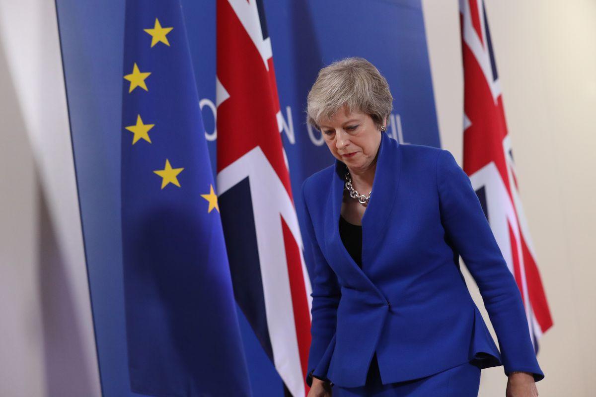 """Премьер-министр Великобритании Тереза Мэй загнала себя западню планом """"Брекзита"""", которую сама же и создавала"""