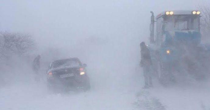 Автомобиль застрял на дороге в Одесской обл.