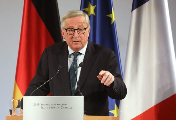 Глава Еврокомиссии Жан-Клод Юнкер одобрил единение позиций Франции и Германии и «разрешил» другим странам объединяться «по интересам»