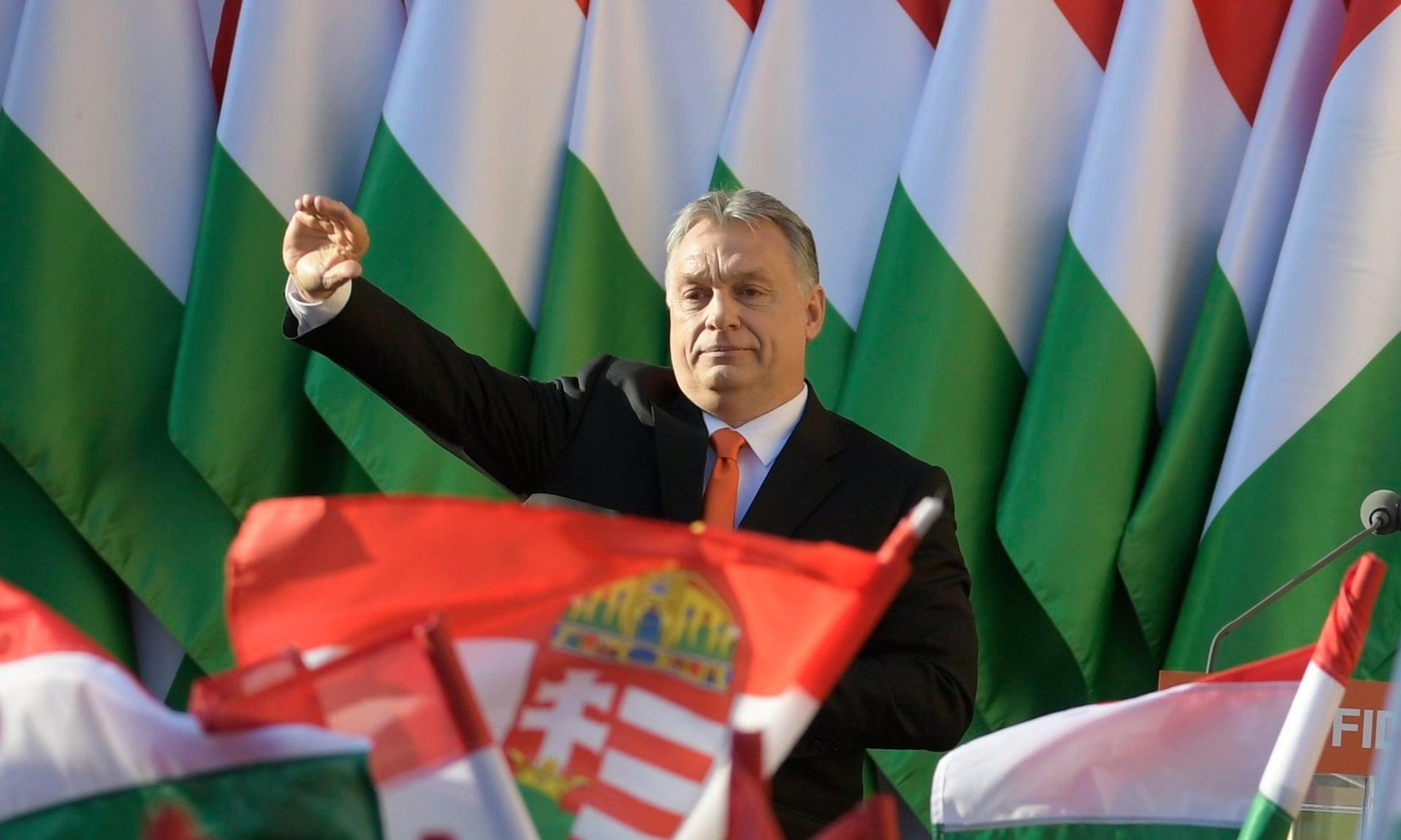 Правительство Венгрии считает санкции Европарламента «мелочной местью» политиков, дружественно настроенных в отношении мигрантов