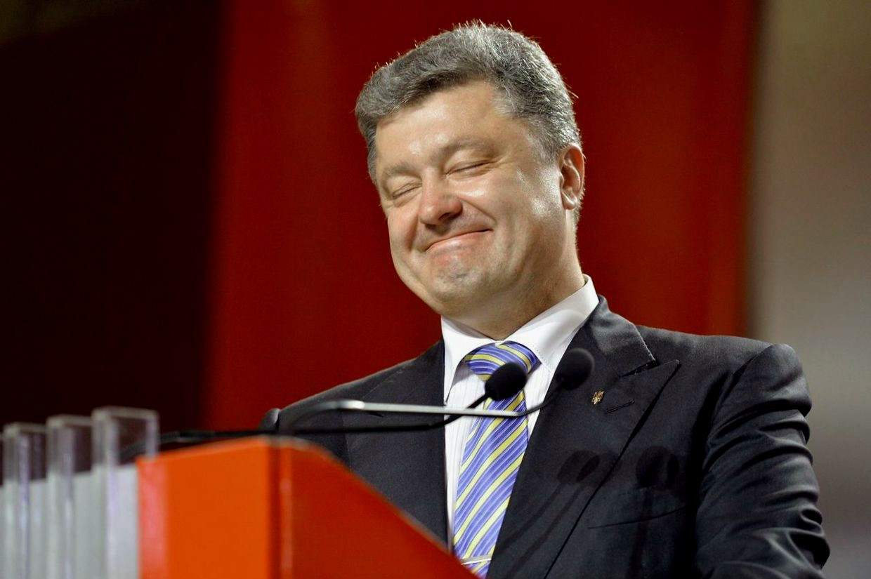 Президент Порошенко пытается выстроить в Украине квази-российский режим: запрет критики власти, давление на СМИ и постепенная ликвидация политической конкуренции