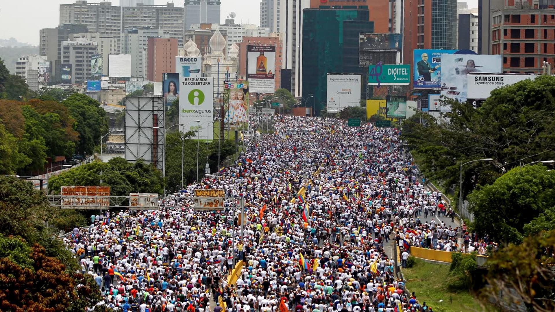 С 2016 года Венесуэлу сотрясают протесты с требованием отставки президента Мадуро