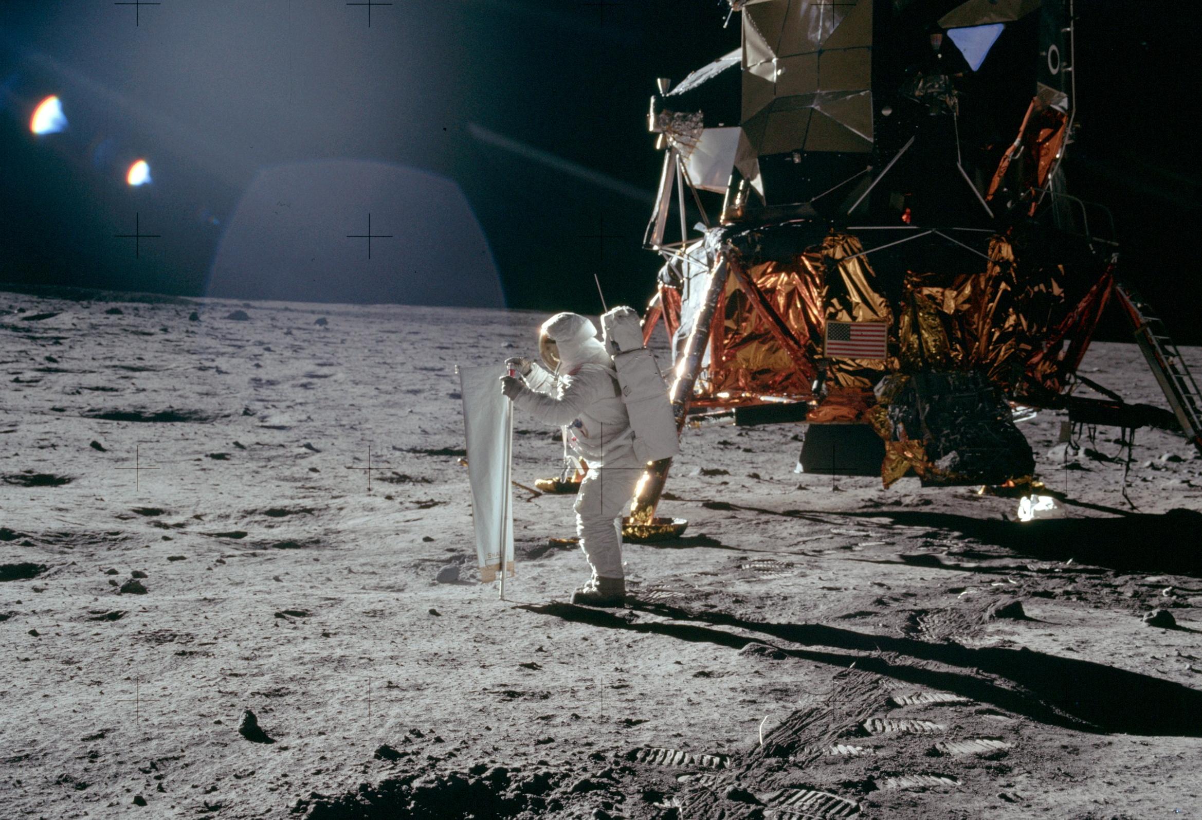 """В ходе миссии """"Аполлон-11"""" американские астронавты стали первыми людьми, ступившими на Луну / NASA"""