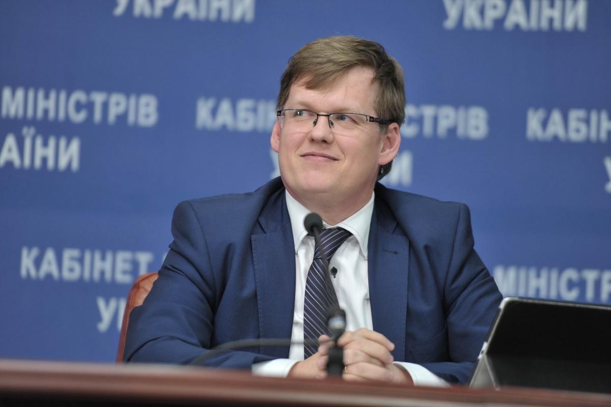 Вице-премьер министр Павел Розенко уверен, что низкие зарплаты в Украине из-за нежелание бизнеса повышать зарплаты