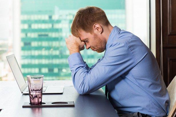 Экономисты отмечают, что малый бизнес вынужден закрываться и тоже выезжать на работу за границу