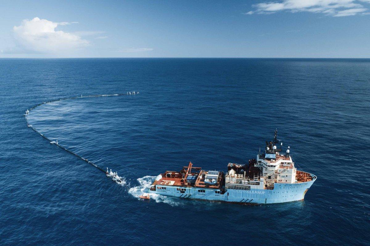 Дорогостоящая система сбора мусора The Ocean Cleanup была запущена в сентябре 2018 года. В январе 2019-го стало известно, что она частично разрушилась: от нее откололась секция длиной 18 м