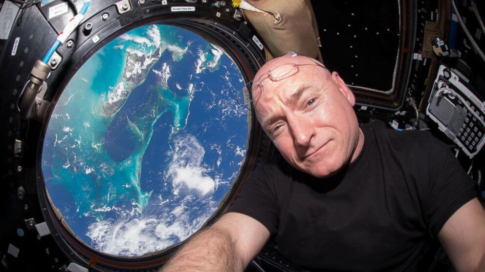 Астронавт NASA Скотт Келли провел на МКС 12 месяцев