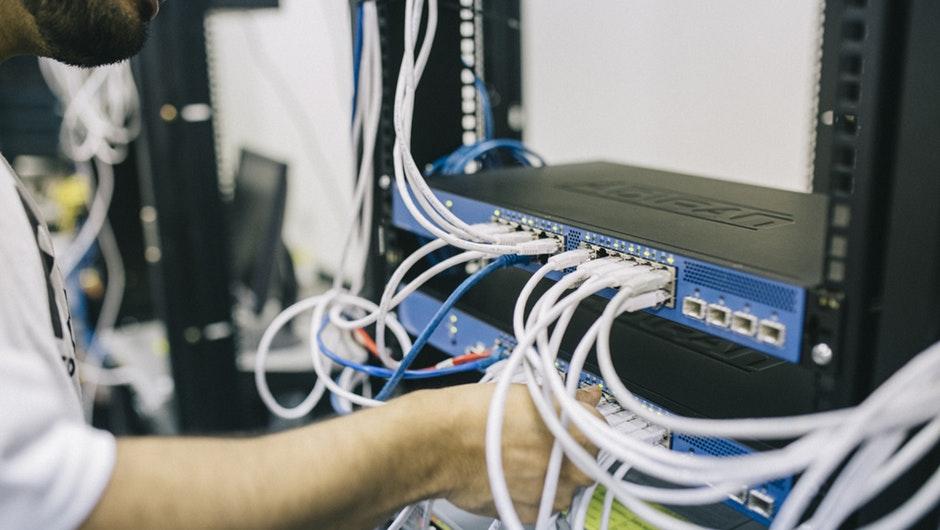 DWeb - новая модель децентрализованного интернета, которая обещает контроль и конфиденциальность данных