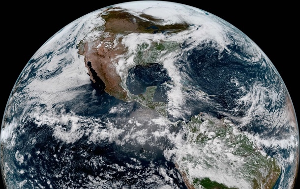 Земля, снятая со спутника GOES-17 / NASA