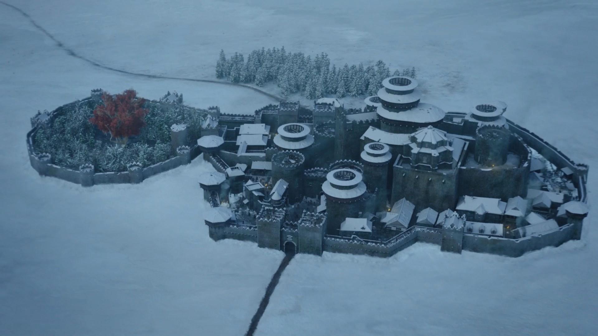 Замок Винтерфелл и Стена были построены Бранданом Старком, жившим в Век Героев
