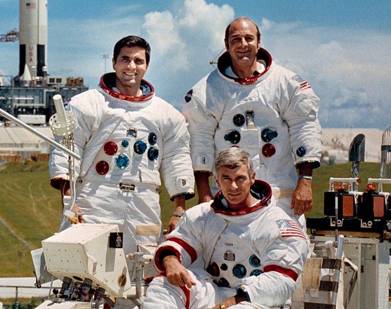 Харрисон Шмитт, Юджин Сернан и Роналд Эванс - последние люди, побывавшие на Луне в 1972 году